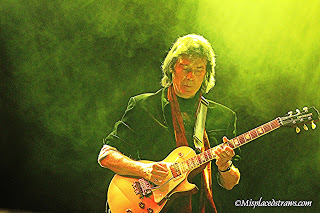 A Conversation with Former Genesis Guitarist Steve Hackett