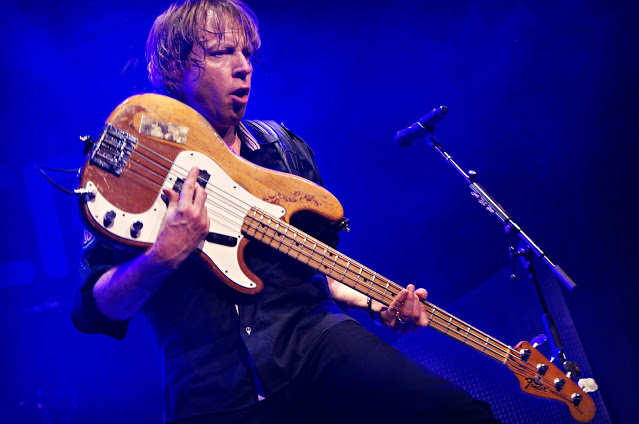 A Conversation with Foreigner Bassist Jeff Pilson